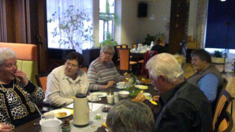 Foto 5 – Jahresabschlussfeier: Stutenkerl-Essen im Paulinum