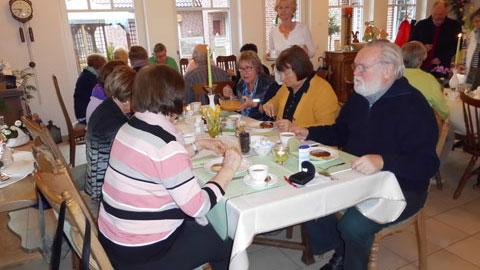 Foto 1 – Besinnlicher Karfreitag im Bauerncafé der Familie Belustedde