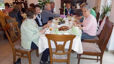 Foto 2 – Besinnlicher Karfreitag im Bauerncafé der Familie Belustedde