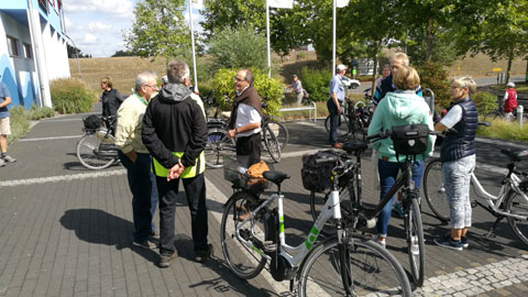 Foto 2 – Radtour zum Café Lühlerheide auf dem Gelände der ev. Stiftung Lühlerheim