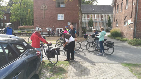 Foto 6 – Radtour zum Café Lühlerheide auf dem Gelände der ev. Stiftung Lühlerheim