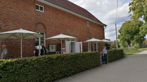 Foto 10 – Radtour zum Café Lühlerheide auf dem Gelände der ev. Stiftung Lühlerheim