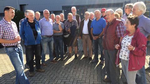 Foto 3 – Besichtigung Dorstener Betriebe unter der Leitung von Altbürgermeister Lambert Lütkenhorst