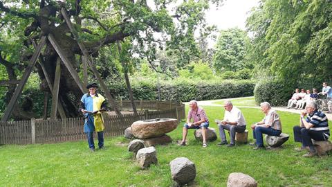 Foto 11 – Radtour nach Raesfeld – mit den Bürgermeistern Tobias Stockhoff, Andreas Grotendorst und der Regierungspräsidentin Dorothea Feller