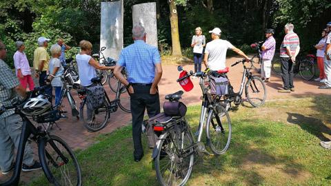 """Foto 9 – Radtour mit Petra Eißing zum Thema """"Kunst im öffentlichen Raum"""""""