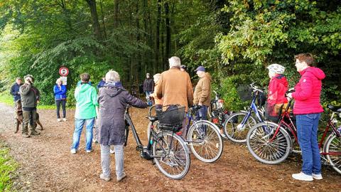 Foto 1 – Kombinierte Rad- und Fußwanderung durch den Barloer Busch (Stadtswald)