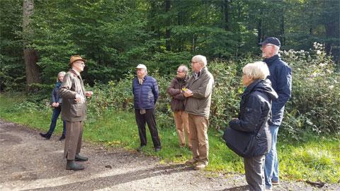 Foto 1 – Radtour mit Besuch Schloß Lembeck – dort Führung durch Ferdinand Graf von Merveldt