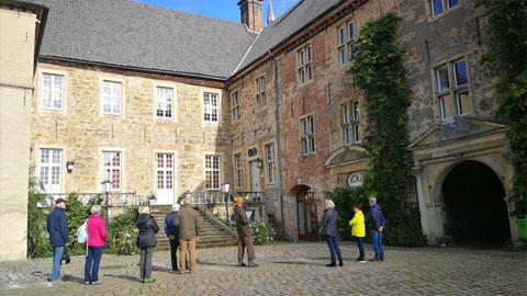Foto 5 – Radtour mit Besuch Schloß Lembeck – dort Führung durch Ferdinand Graf von Merveldt