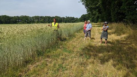 """Foto 4 – Radtour zum Thema """"Technik, die begeistert – Biogastechnologie und Wildenergiepflanzenanbau"""""""