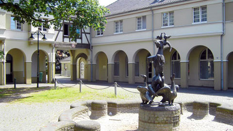 Brunnenplatz / Zechensiedlung Hervest