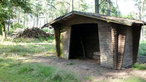 Schutzhütte in der Üfter Mark